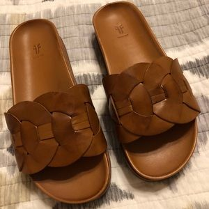 BRAND NEW LEATHER FRYE SANDALS SHOES SLIDES 8.5